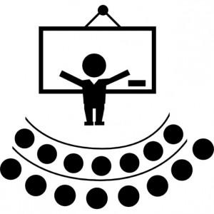 conferencia-maestro-frente-a-un-auditorio_318-58775